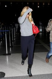 Gwyneth Paltrow at LAX Airport in Los Angeles - October 2014