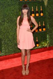 Hannah Simone - 2014 Veuve Clicquot Polo Classic in Pacific Palisades