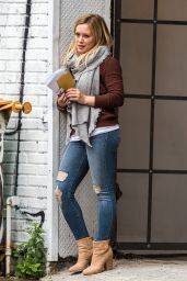 Hilary Duff Booty in Jeans - On the Set of