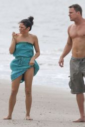 Jenna Dewan-Tatum Candids at a Beach in Savannah - Sept. 2014
