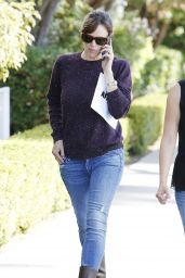 Jennifer Garner in Jeans and Boots - October 2014