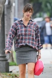 Jennifer Garner Street Style - Out in Brentwood, October 2014