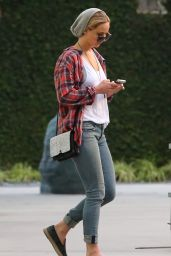 Jennifer Lawrence in Jeans - Out in Los Angeles - October 2014