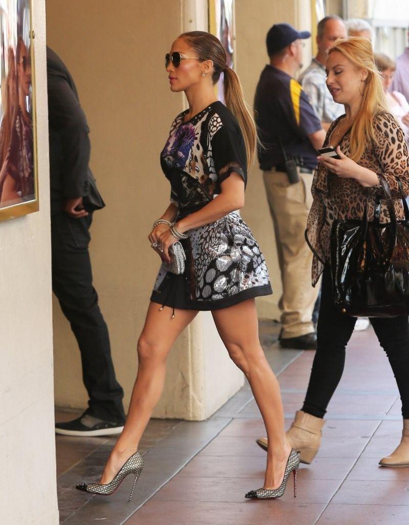 Jennifer Lopez Leggy at