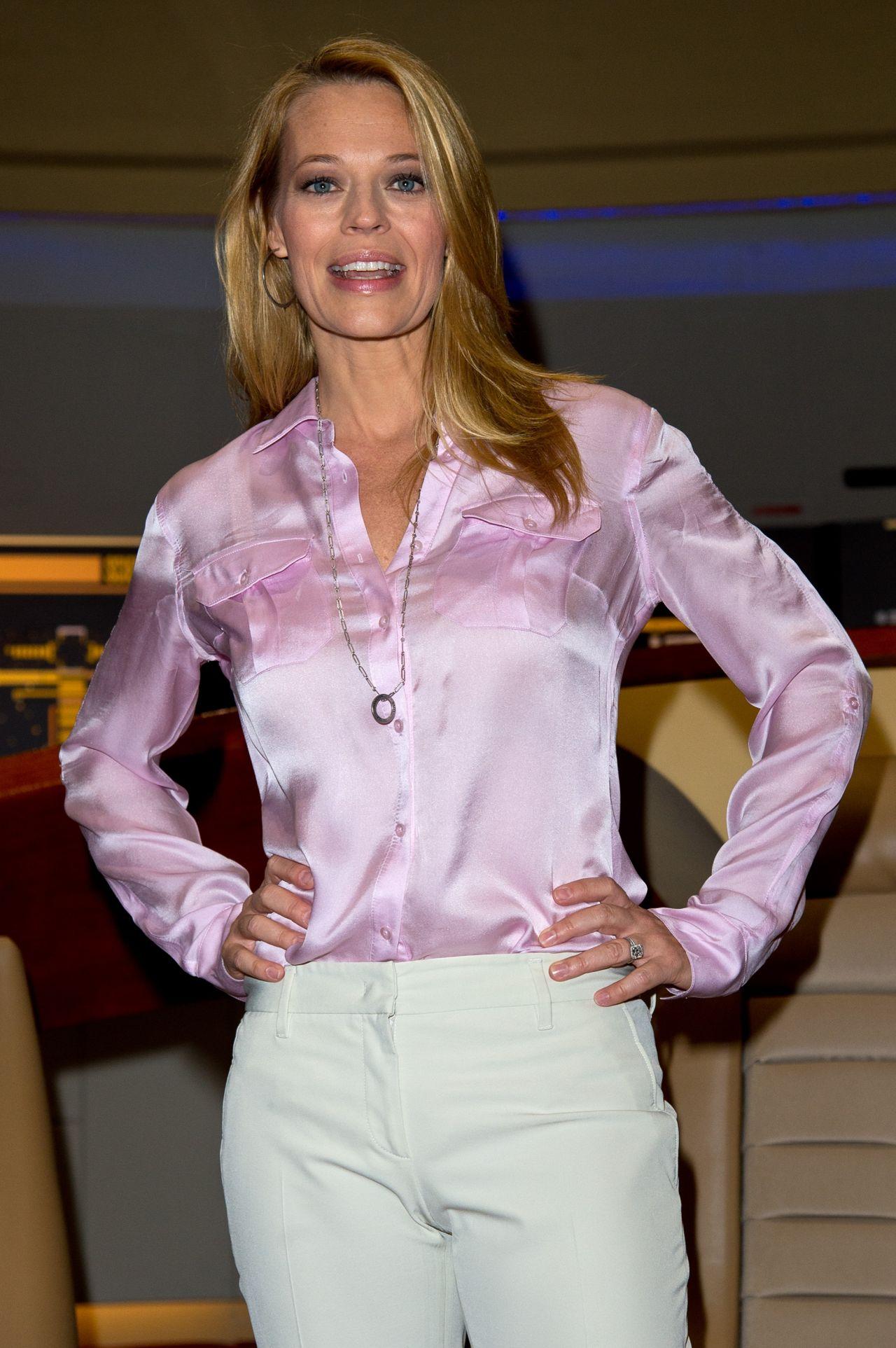 Jeri Ryana And Marina Sirtis - Destination Star Trek Event At Excel In London, Oct 2014-7935
