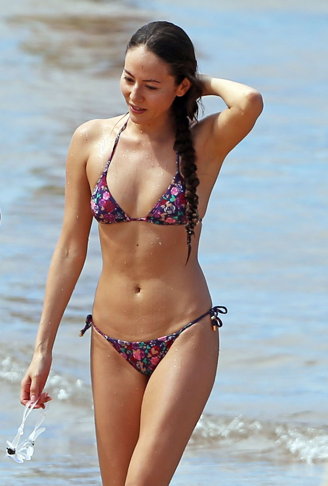 Jessica Michibata Bikini Candids - Hawaii, October 2014