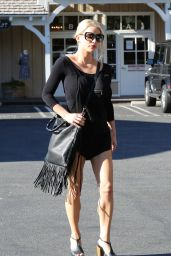 Jessica Simpson Street Style - Getting Lunch in Calabasas - Oct. 2014