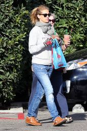 Julia Roberts Casual Style - Out in Malibu - October 2014