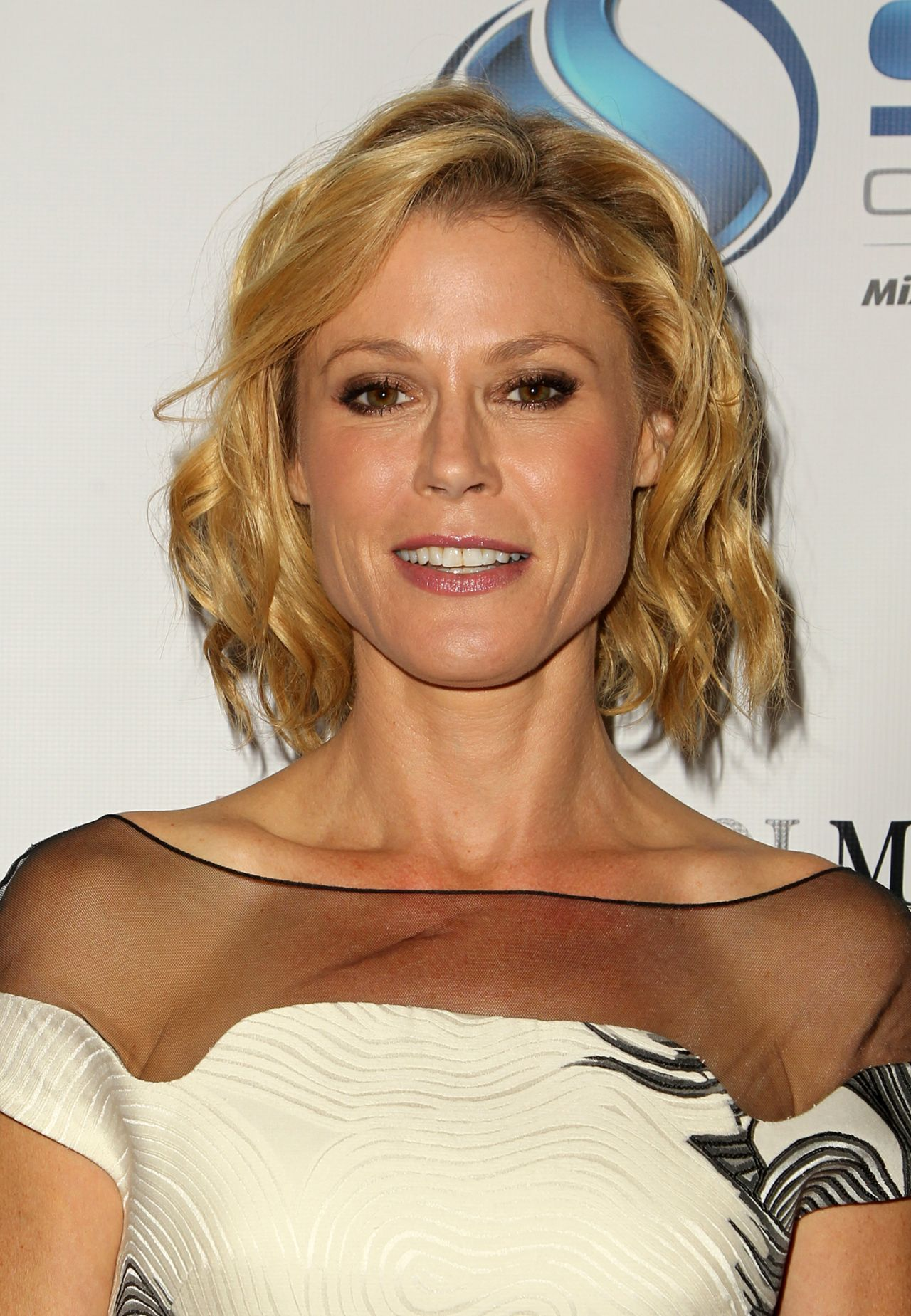 Julie Bowen 2014 Denim Amp Diamonds For Autism In Westlake
