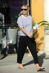 Kaley Cuoco Street Style - Leaves a Nail Salon in Los Angeles - Oct. 2014