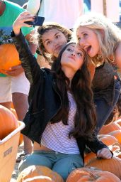 Kelli Berglund at a Pumpkin Patch in Los Angeles - October 2014
