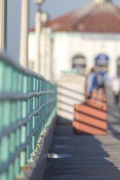 Kelly Brook - Sketchers 3k Walkathon in Manhattan Beach - October 2014