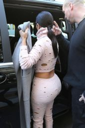 Kim Kardashian - Heading to Charles de Gaulle Airport in Paris - October 2014
