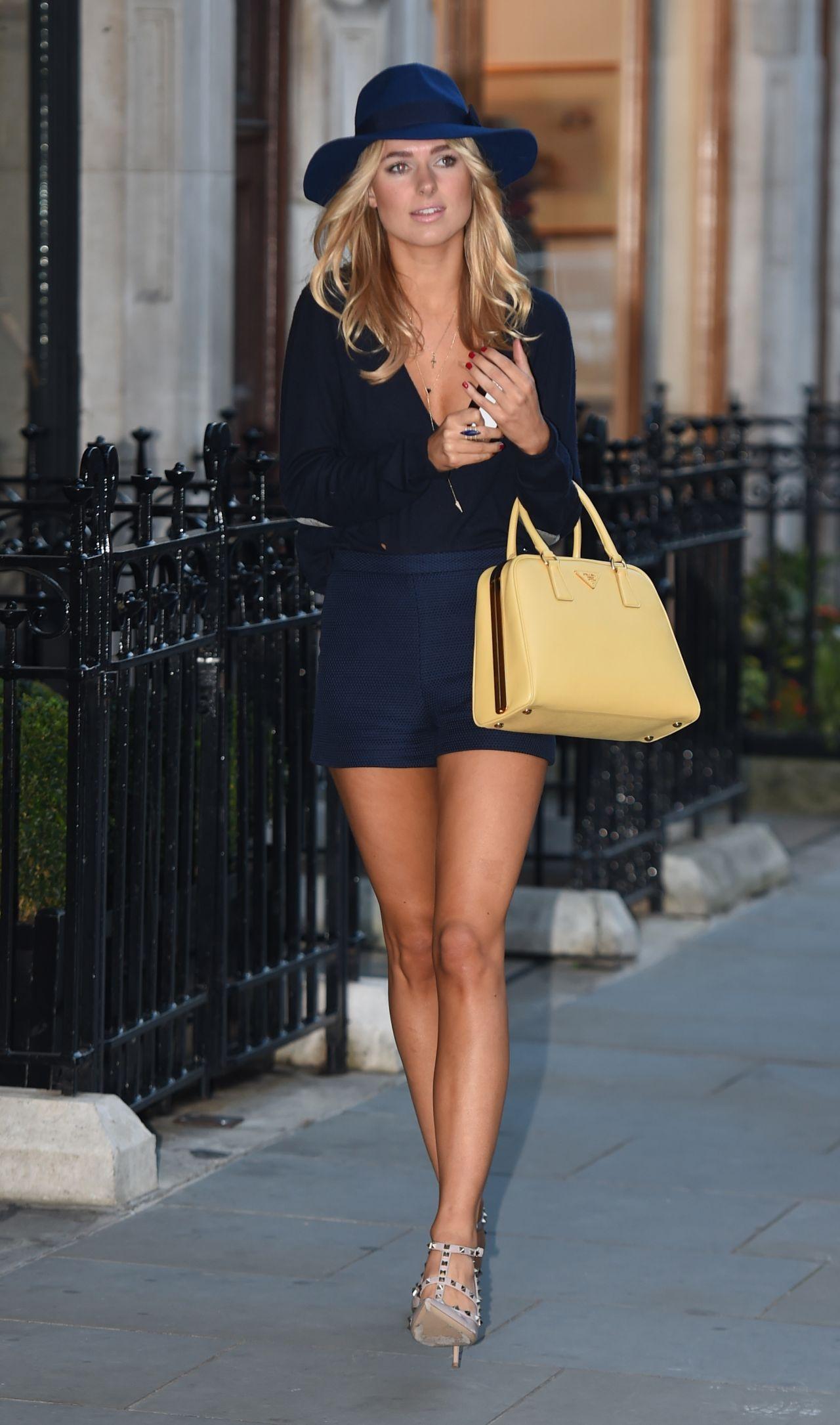 Kimberley Garner Leggy Out In Mayfair In London