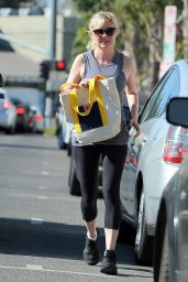 Kirsten Dunst in Leggings - Out in Studio City - October 2014