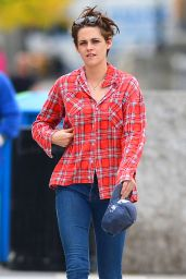 Kristen Stewart in Tight Jeans - Out in New York City - October 2014