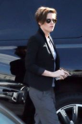 Kristen Stewart Smoking - Out in Los Angeles, Oct. 2014
