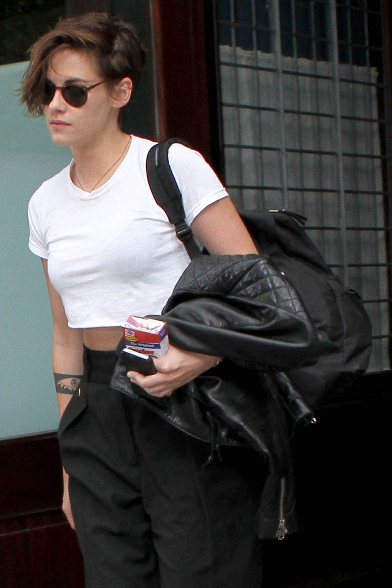 Kristen Stewart Street Style - Leaving Her Hotel in NYC - October 2014