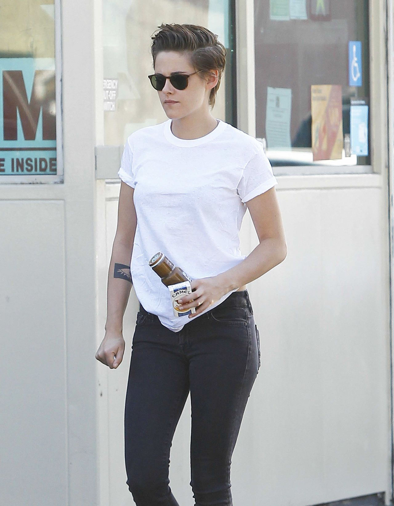 Kristen Stewart Street Style Out In Los Angeles October 2014