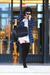 Kylie Jenner Street Style - Leaving Barneys New York in Beverly Hills - October 2014