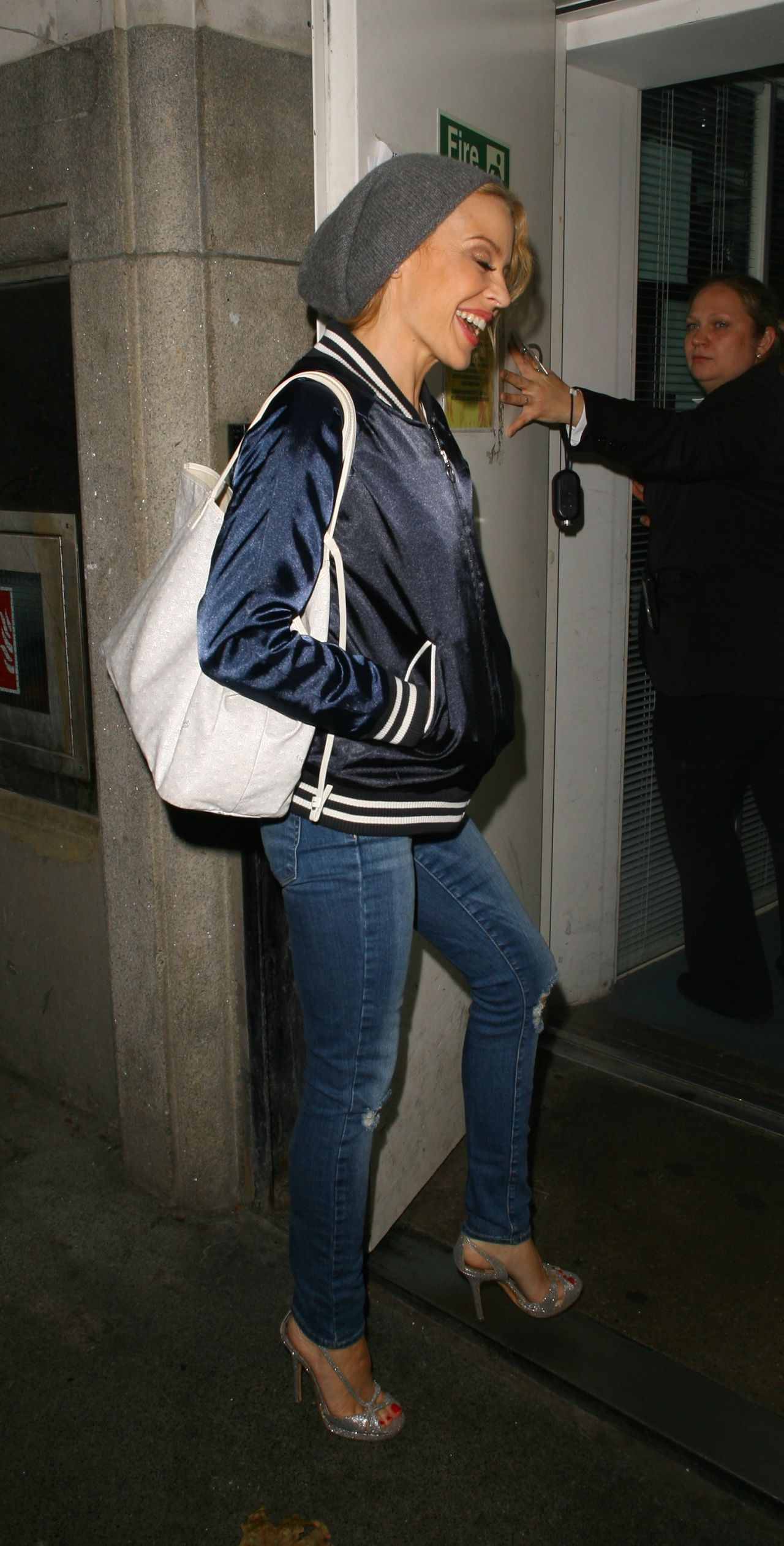 Kylie Minogue In Ripped Jeans Returning To Her Hotel In