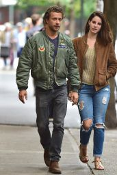 Lana Del Rey in Ripped Jeans - Out With Francesco Carrozzini in Soho - October 2014