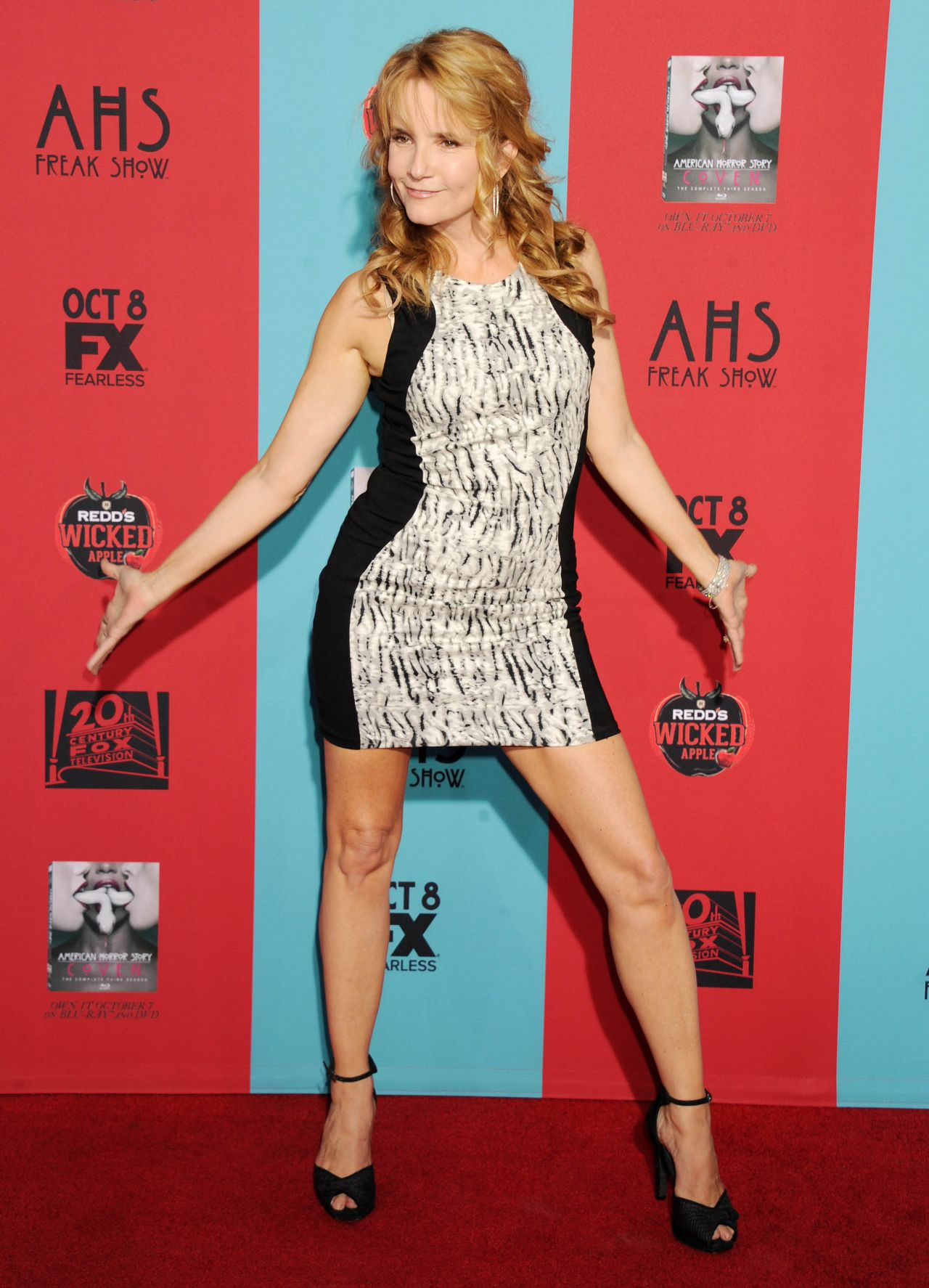 Lea Thompson – 'American Horror Story: Freak Show' Premiere in Hollywood