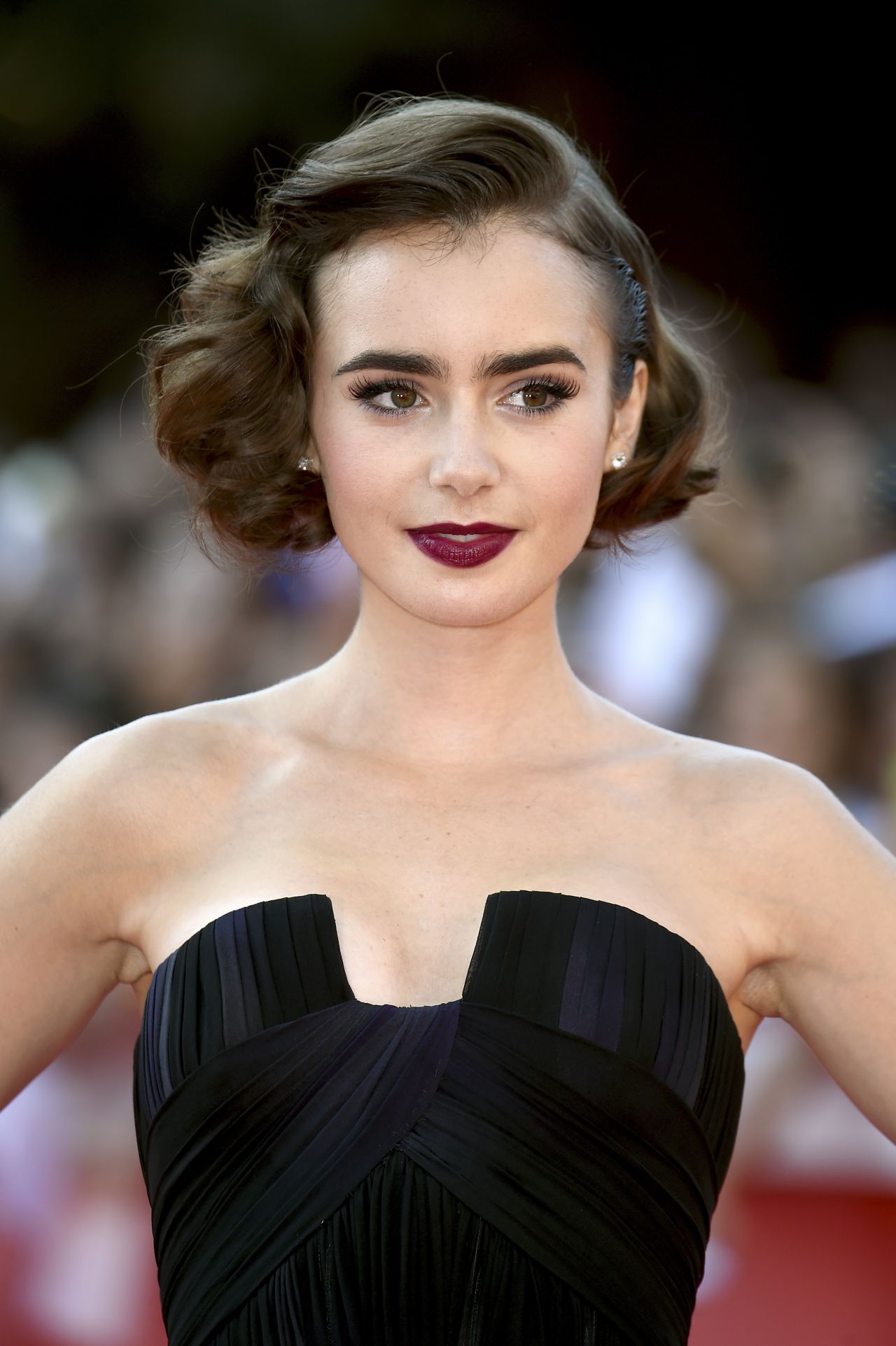 Lily Collins  Love Rosie Premiere  2014 Rome Film - Black Short Hairstyles