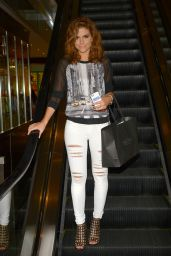 Maria Menounos in Ripped Jeans - Shopping at Columbus Circle in New York City