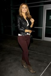 Maria Menounos Street Style - Arriving at Staples Center in Los Angeles, Oct. 2014