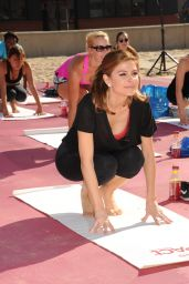 Maria Menounos Workout - Ocean Spray Cranberry Extract Water Launch in Hermosa Beach