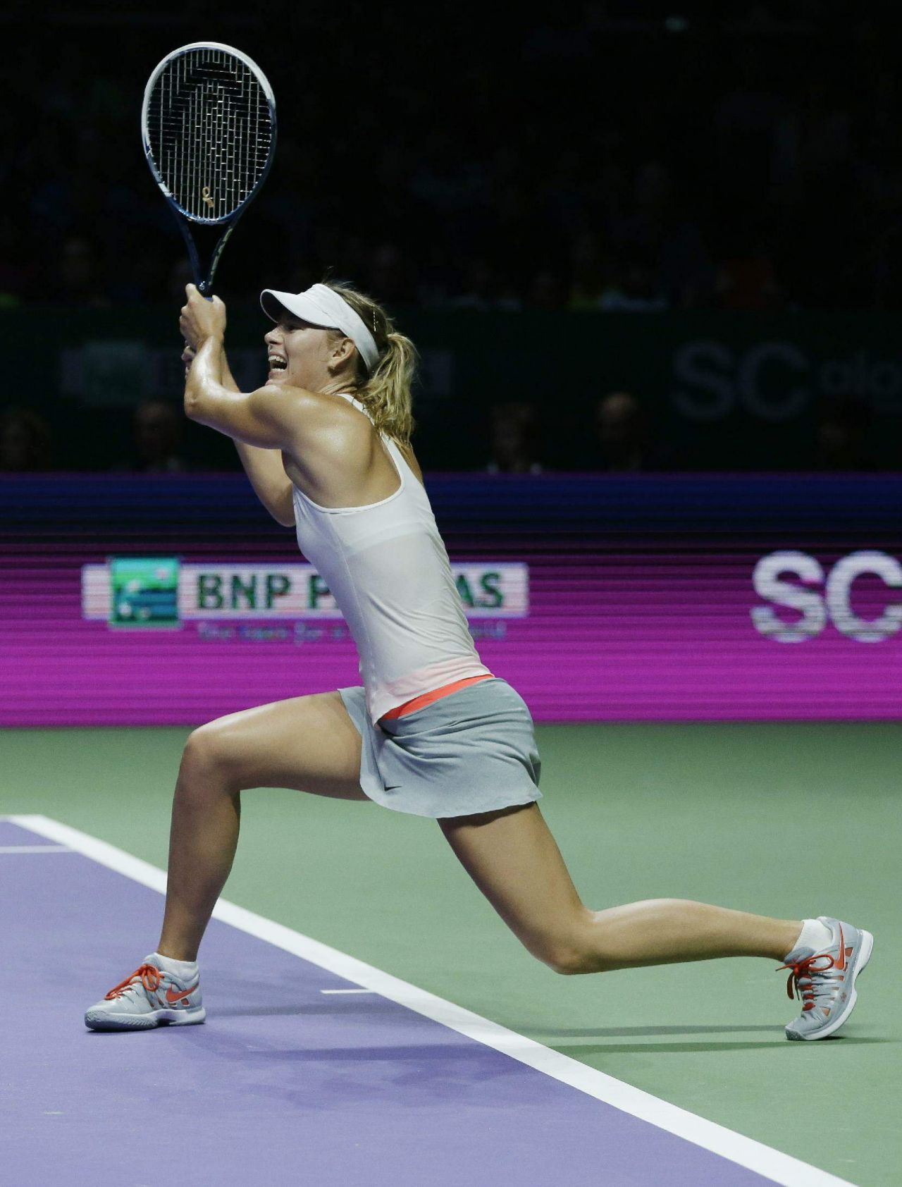 Maria Sharapova – 2014 WTA Finals in Singapore (vs Agnieszka Radwanska)