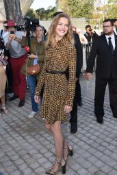 Natalia Vodianova - Paris Fashion Week - Louis Vuitton Fashion Show, Oct. 2014