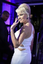 Pamela Anderson Arrives to the Inauguration of Night Club All Star - October 2014