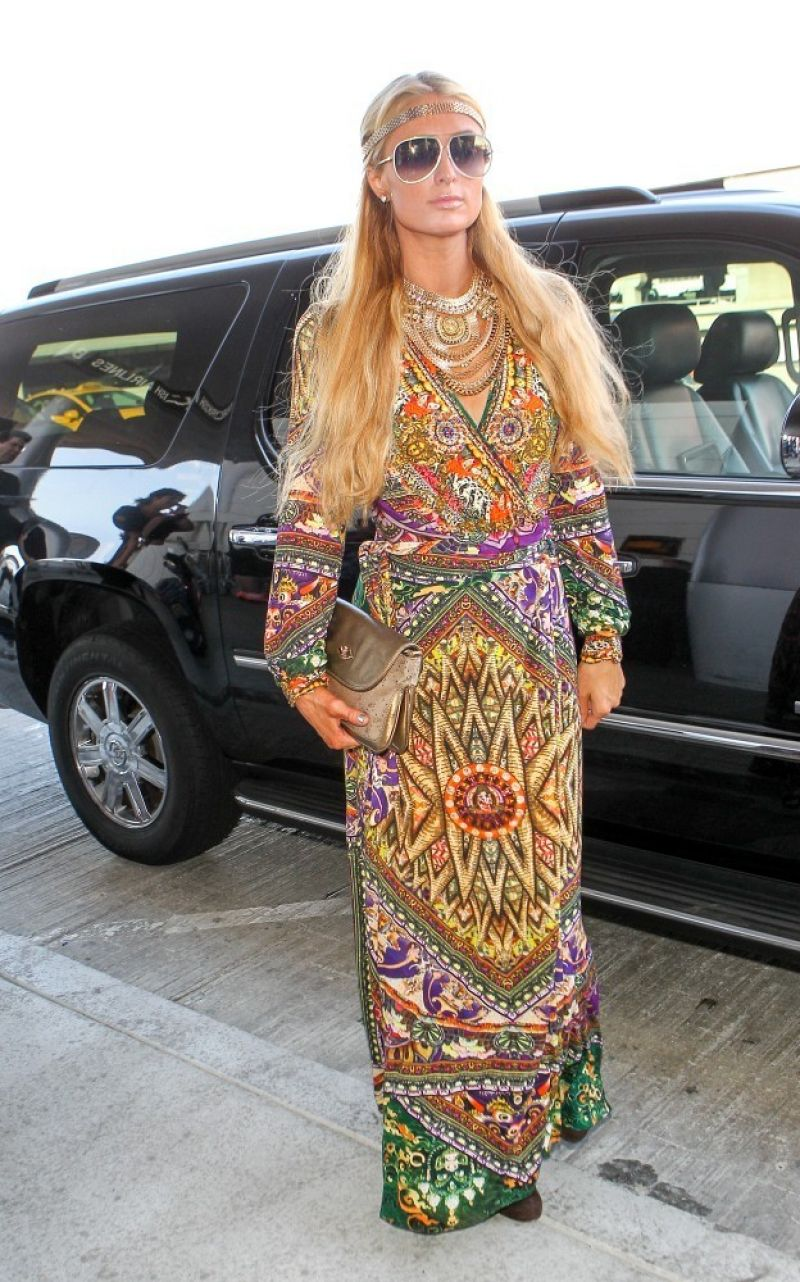 Paris Hilton - Arrives at LAX Airport - October 2014