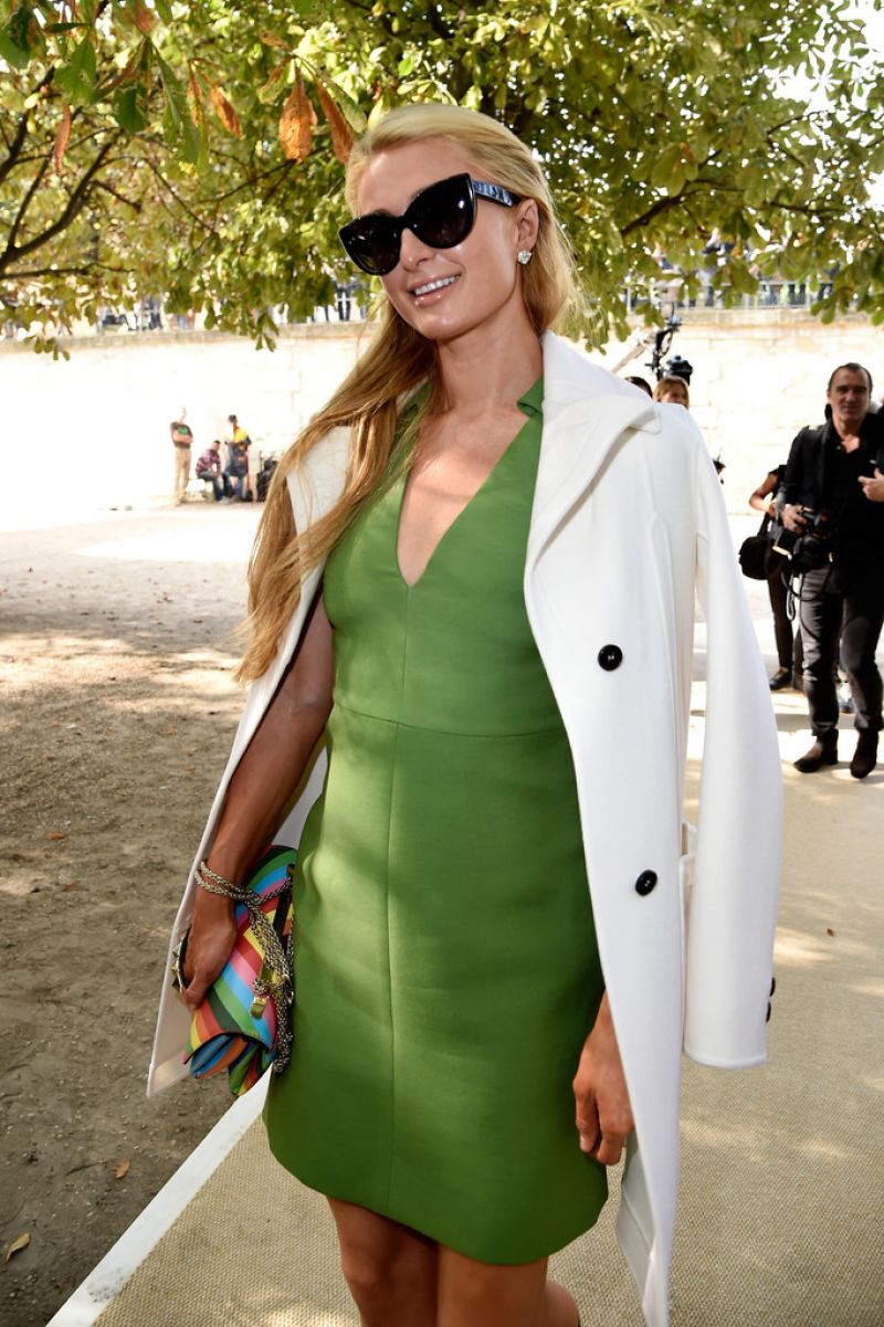 Paris Hilton - Paris Fashion Week - Valentino Spring/Summer 2015 Fashion Show