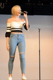 Pixie Lott Performs at Italia Conti Open Day in Chelmsford, Essex