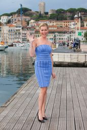 Rebecca Romijn - 'The Librarians' Photocall - 2014 MIPCOM Festival in France