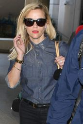 Reese Witherspoon Arriving on a Flight at LAX Airport - October 2014