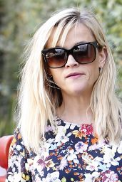 Reese Witherspoon in Jeans - Out in Brentwood - October 2014