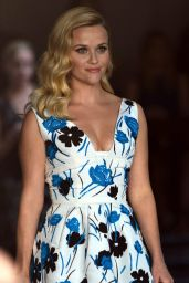 Reese Witherspoon in Pretty Floral Dress Goes to Chateau Marmont - October 2014