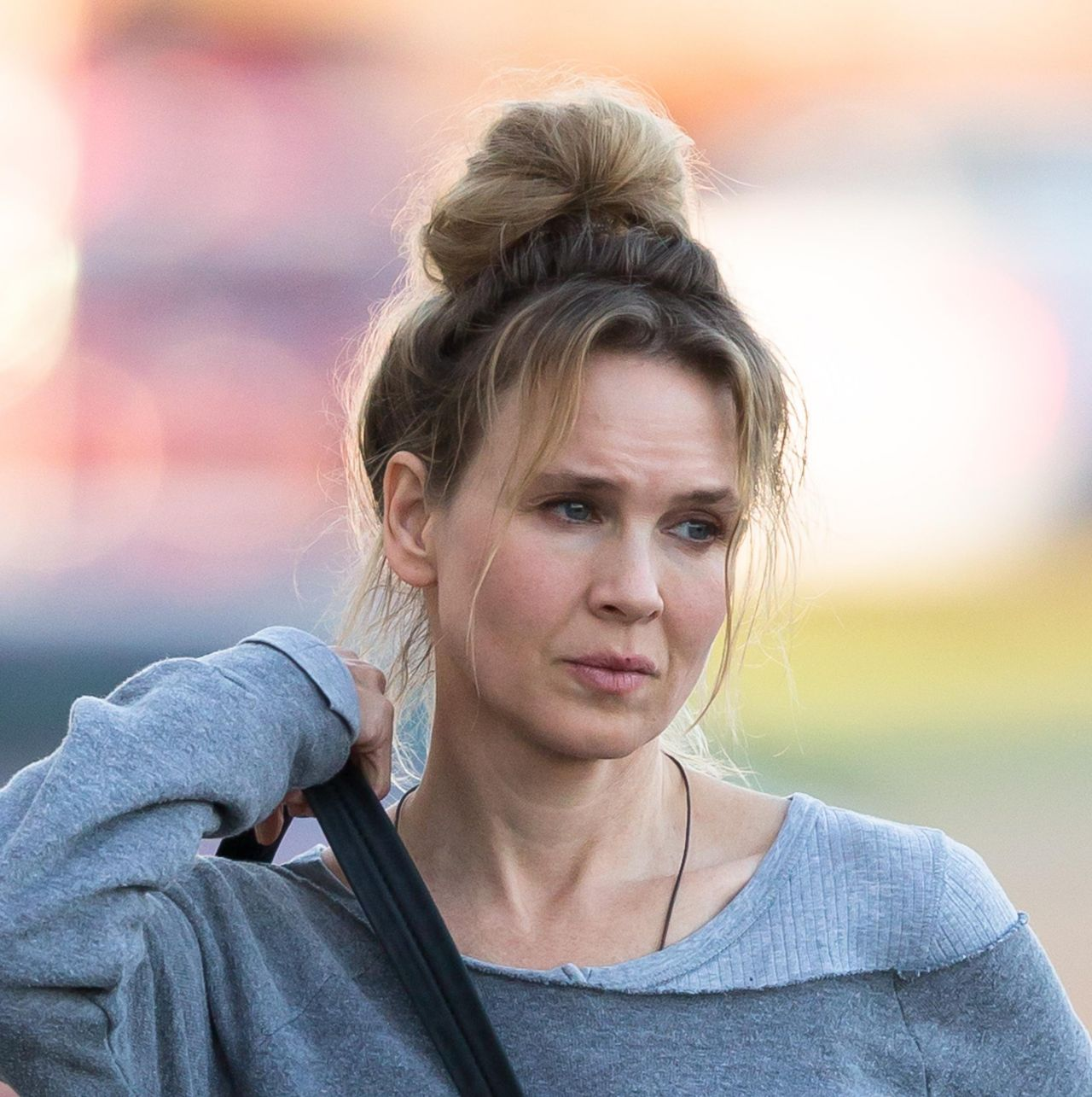 Renee Zellweger In Leggings Out In Mississippi Over The