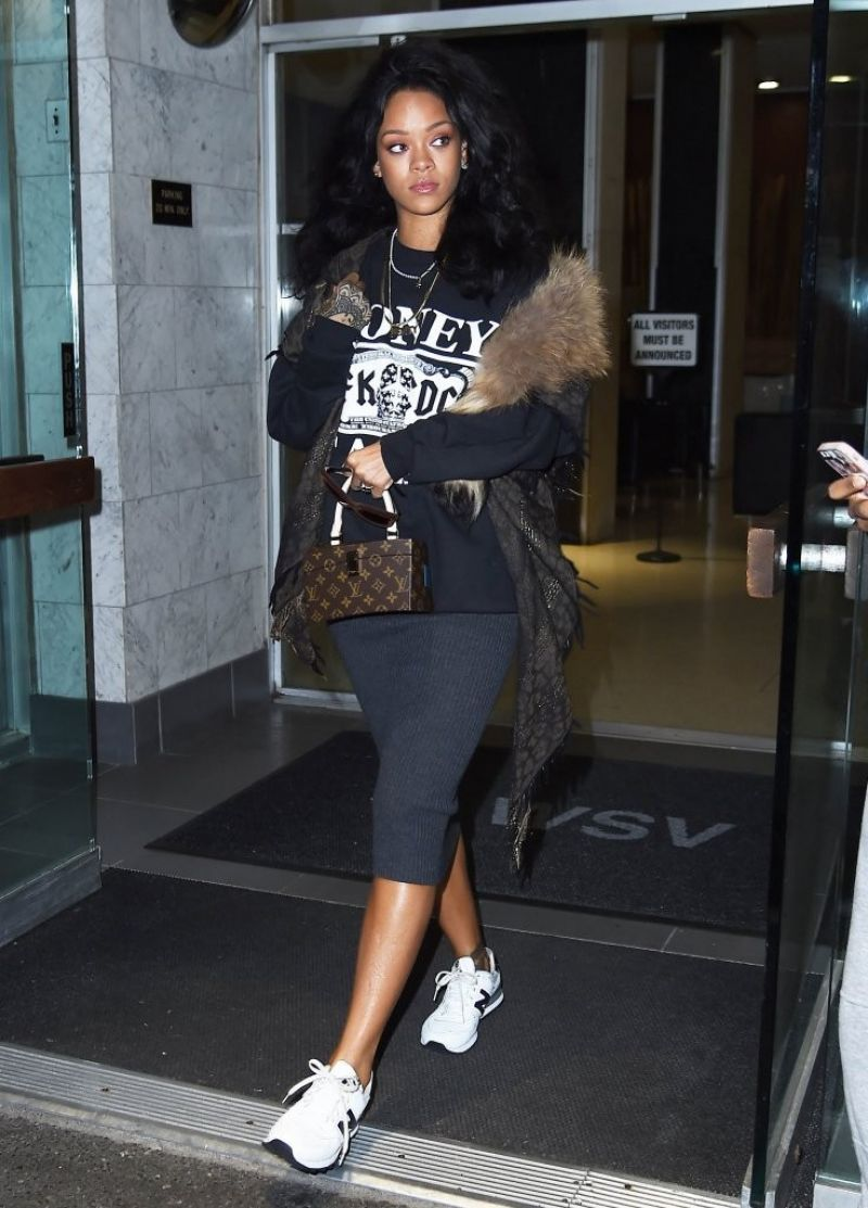 Rihanna Casual Style - Leaving a Dentist Office in New ...