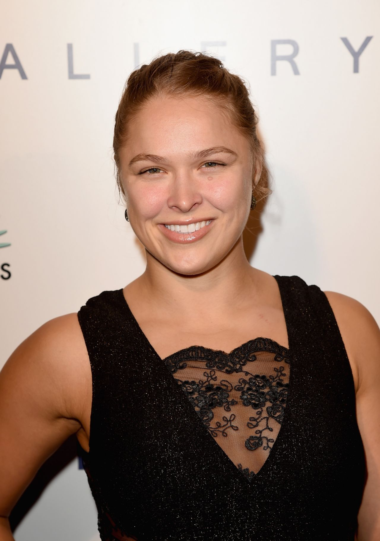 Ronda Rousey – Brian Bowen Smith Wildlife Show in West Hollywood – October 2014