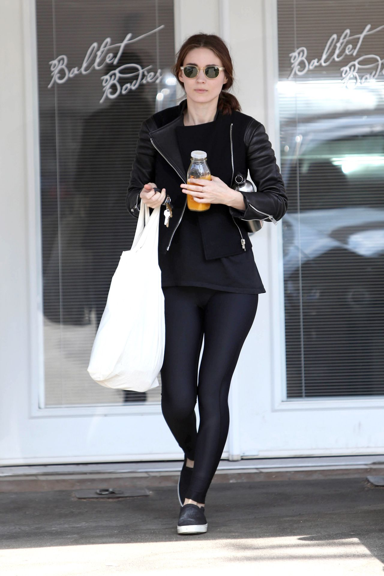 Rooney Mara Leaving A Ballet Body Class In West