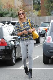 Sam Faiers in Tight Jeans arriving at