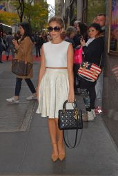 Sarah Hyland Style - Out in New York City - October 2014