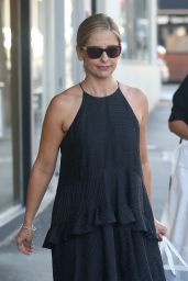 Sarah Michelle Gellar - Shopping on Chapel Street in Melbourne - October 2014