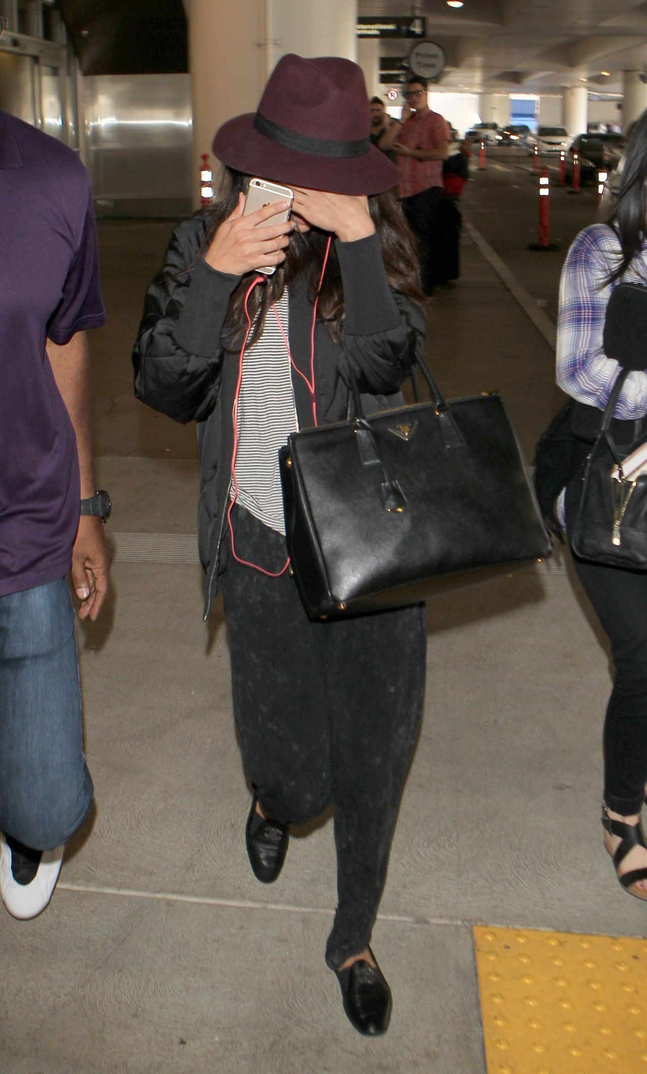 Selena Gomez at LAX Airport in Los Angeles - October 2014