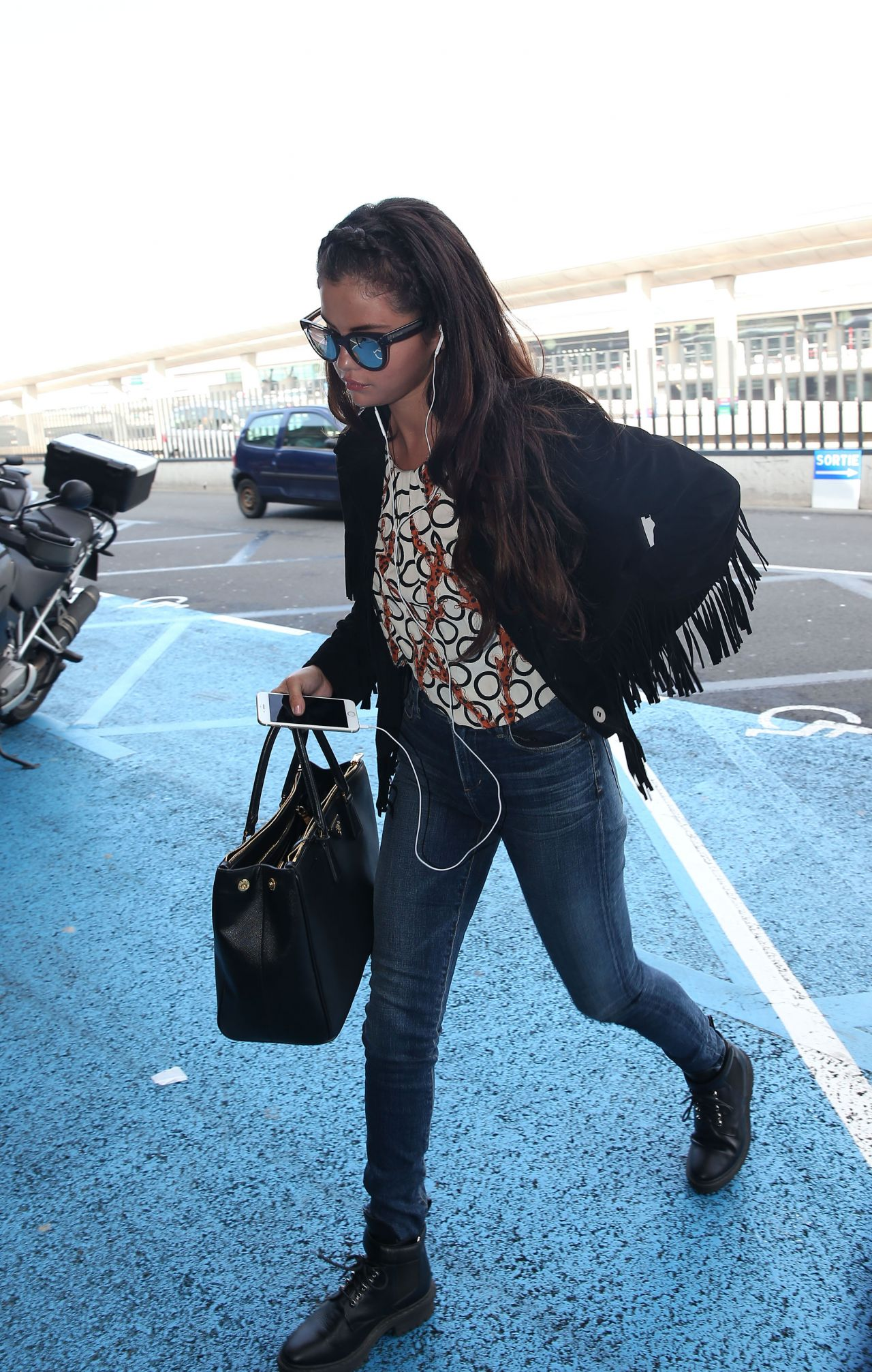 Selena Gomez Casual Style  at Charles De Gaulle Airport